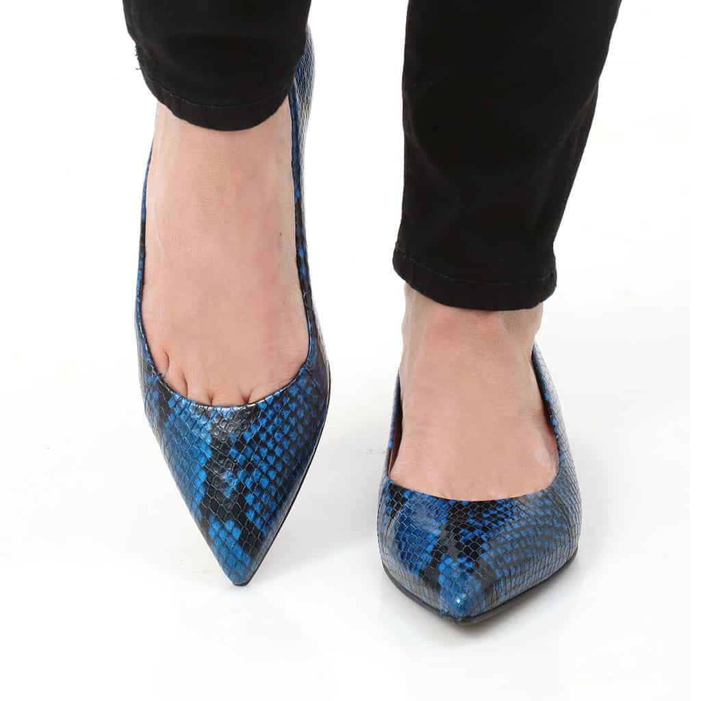 Look Out|כחול|שחור|נעלי בובה|נעלי בלרינה|נעליים שטוחות|נעליים נוחות|ballerinas