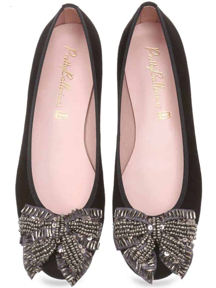 Classic black shoes with gold Papillon