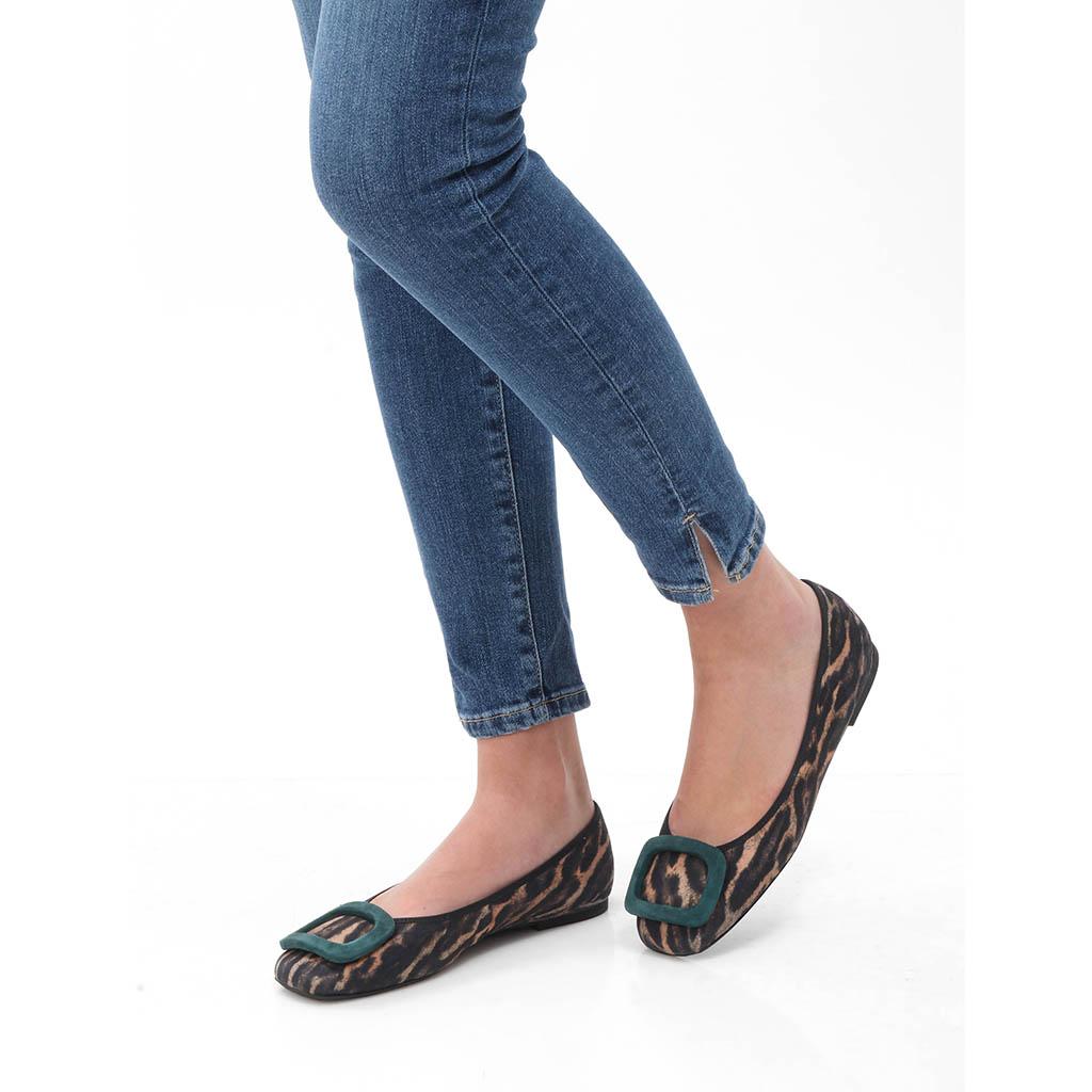 Adelyn|חום|שחור|נעלי בובה|נעלי בלרינה|נעליים שטוחות|נעליים נוחות|ballerinas
