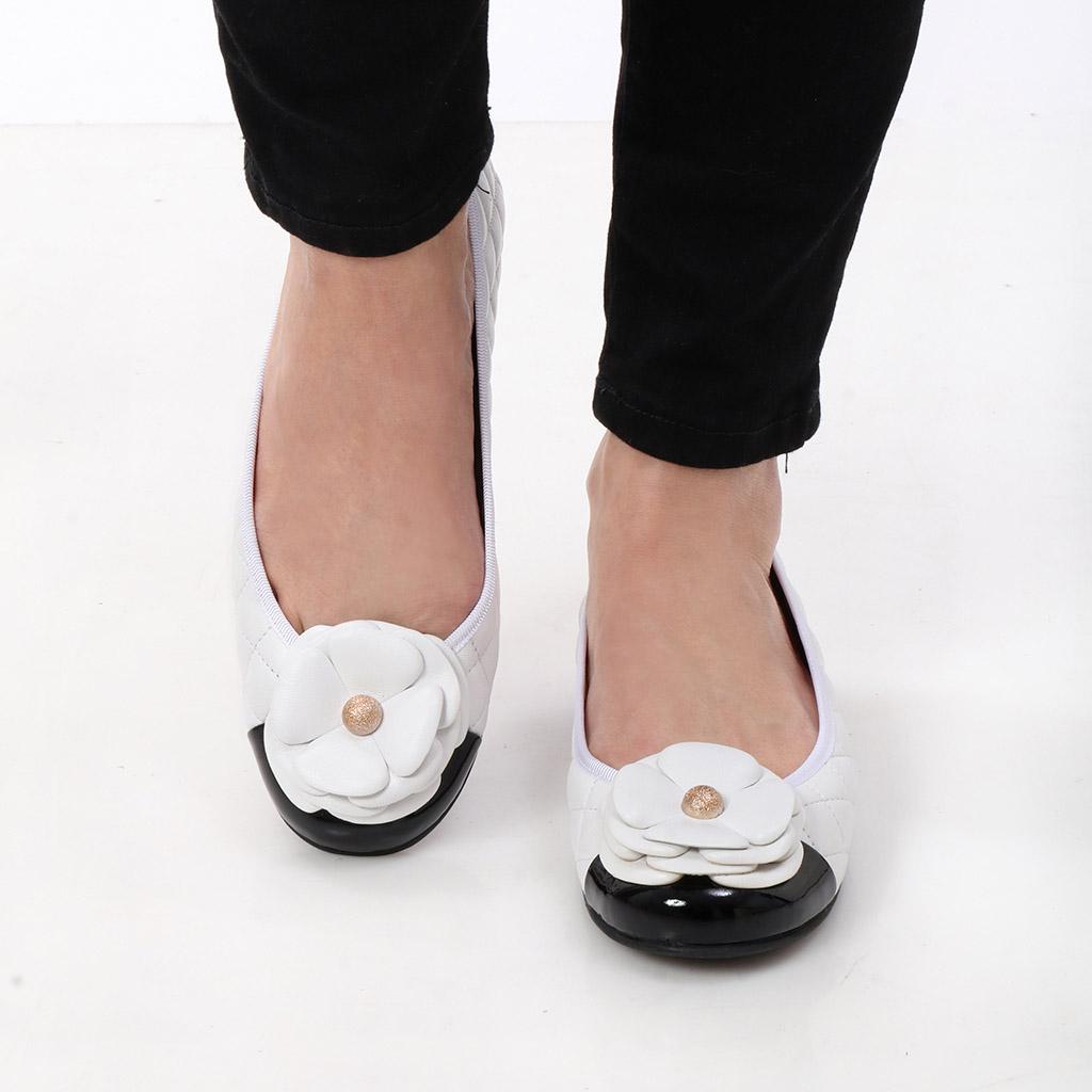 Yadira|שחור|לבן|נעלי בובה|נעלי בלרינה|נעליים שטוחות|נעליים נוחות|ballerinas