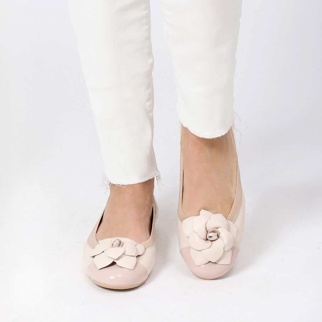 Water|ורוד|לבן|ניוד|נעלי בובה|נעלי בלרינה|נעליים שטוחות|נעליים נוחות|ballerinas