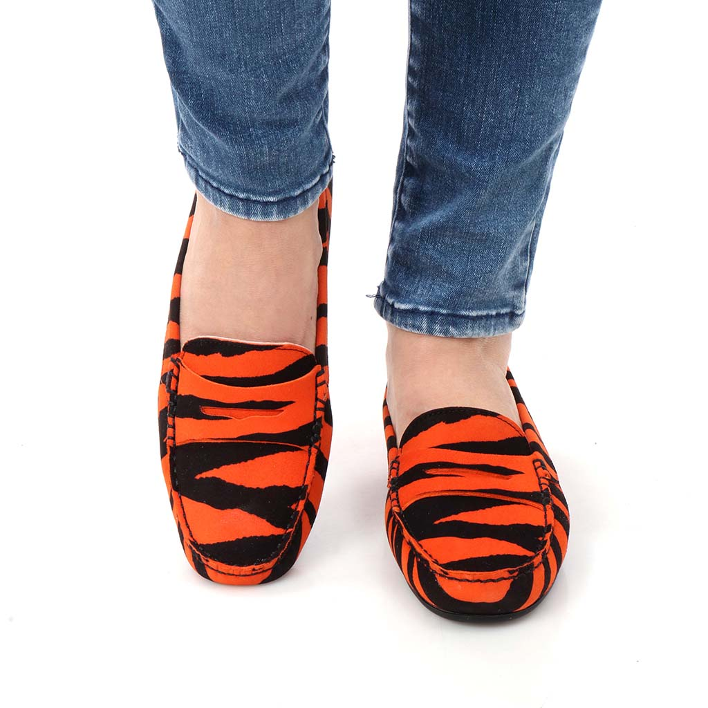 Vanessa|כתום|שחור|מוקסין|מוקסינים|נעליים שטוחות|moccasin