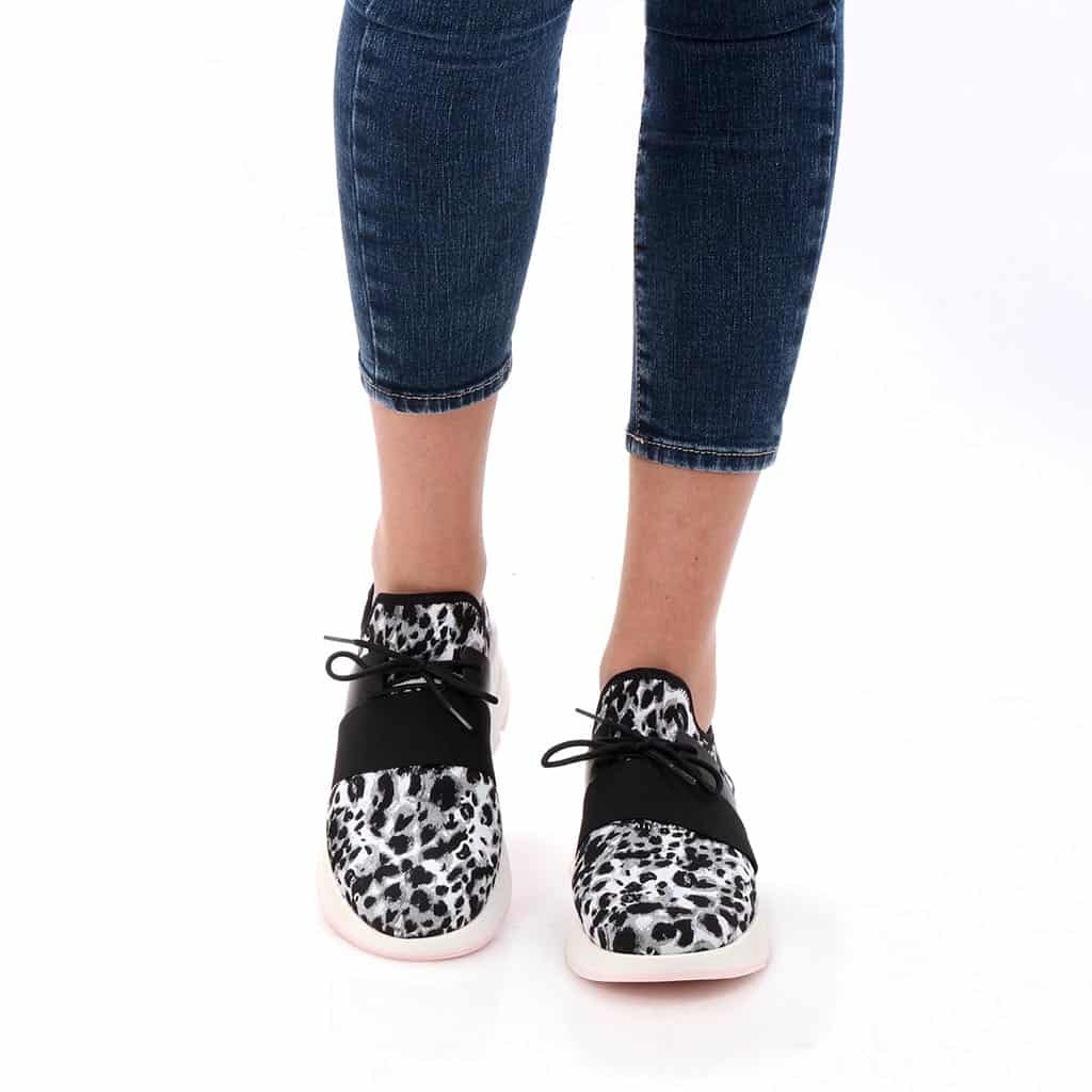 Gardenia|אפור|שחור|סניקרס|סניקרס לנשים|נעליים שטוחות